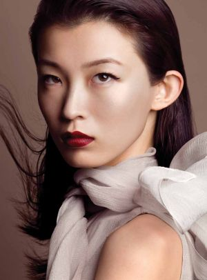 Beautiful Asia photos - Wang Xiao - Elle Vietnam December 2010.jpg